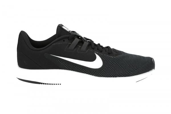 Nike Downshifter 9 in Freizeit & Outdoor