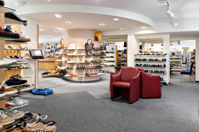 Ladeninneraum Schuh Sommer