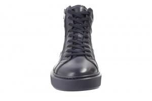 Sneaker in Stiefel Bild2