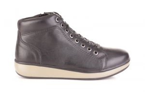 Sonja High Top Black